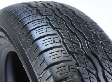 BridgestoneD687235/60 R 16